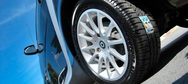 Coche etiqueta de eficiencia del neumático