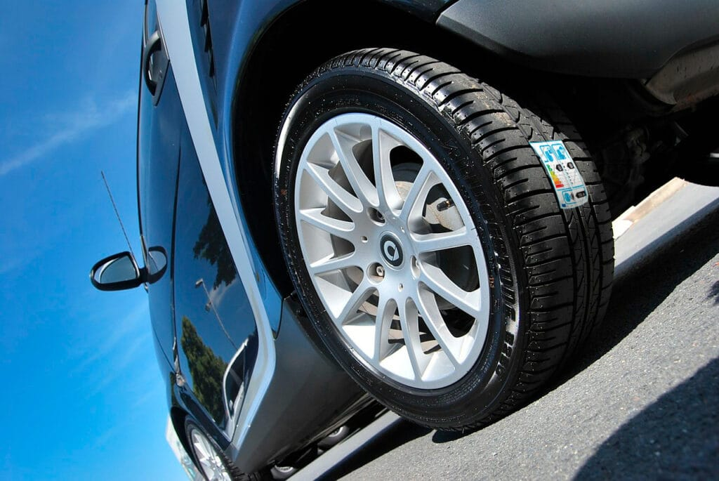 nueva etiqueta del neumático